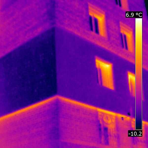 термограмма: локальное утепление стен на уровне 2 этажа. Устал мерзнуть! тепловизионное обследование дома в Уфе